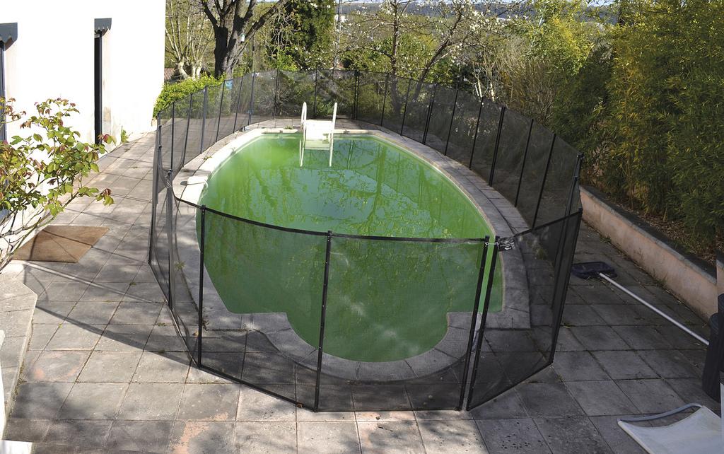 L'eau de ma piscine est verte, que faire ?